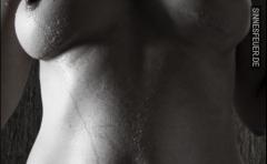 Erotische Stimme gesucht – Wir zahlen Dir 1 € / Minute