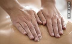 Devoter Senior (m60j) bietet Massage