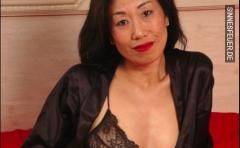 Asiatische Hausfrau sucht heisse Affäre
