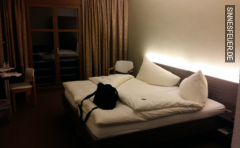 Frauenbesuch im Hotel