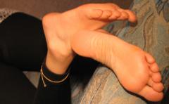 Erotische Fuß-Affäre mit reifer Frau gesucht