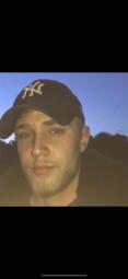 Junger Mann sucht eine Frau für Treffen. Seitensprung