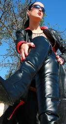 Queen Miranda  möchte Grenzen erweitern