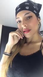 Junge Latina stellt dich auf Probe ... Mann oder Sissy?
